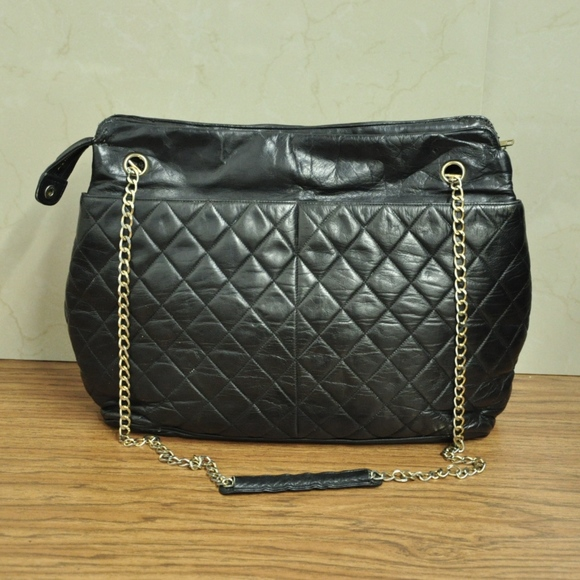 ade7db5abd15 CHANEL Handbags - CHANEL Quilted Black Leather Chain Strap TOTE BAG